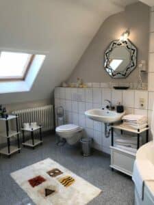 Badezimmer Engelzimmer Waldhotel-Auerhahn